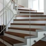 Laudparkett-Robinia-aurutatud-original-WP-450-trepp